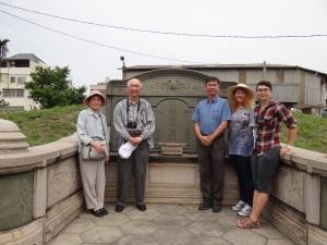 2014-04-04 Fengyuan Lu tomb sweeping 078