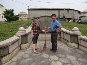 2014-04-04 Fengyuan Lu tomb sweeping 108