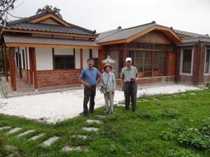 2014-04-04 Fengyuan Lu tomb sweeping 182
